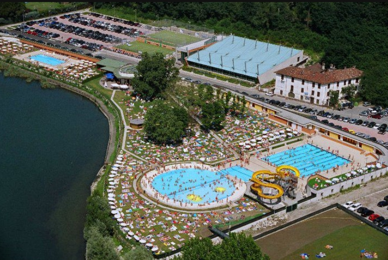 Bisticcio stendhal groupon perch le piscine piacciono - Bosisio parini piscina ...