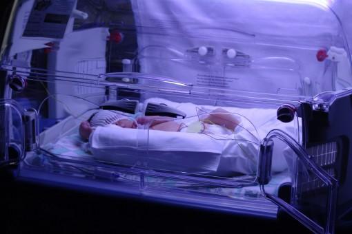 Neonato in Terapia Intensiva Neonatale (foto repertorio)