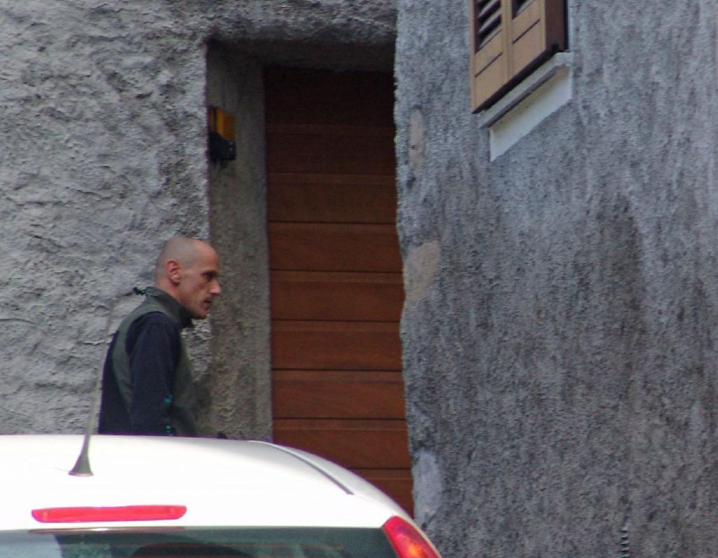 Abbadia la scientifica sul luogo del crimine con il pap for Planimetrie uniche della casa