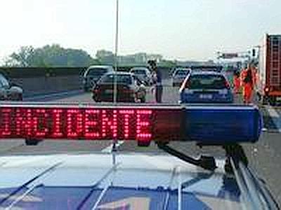 Aprica, terribile incidente sulla statale 39: carbonizzati due motociclisti