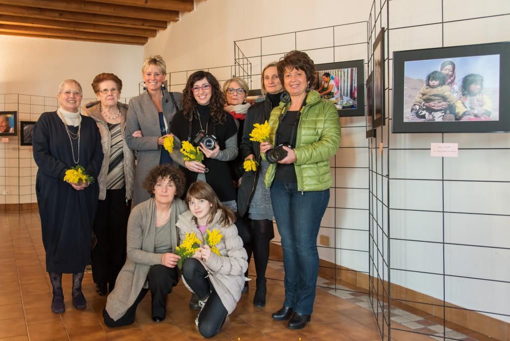 Valmadrera cif inaugurata la mostra siamo donne - Piscina di mozzate ...