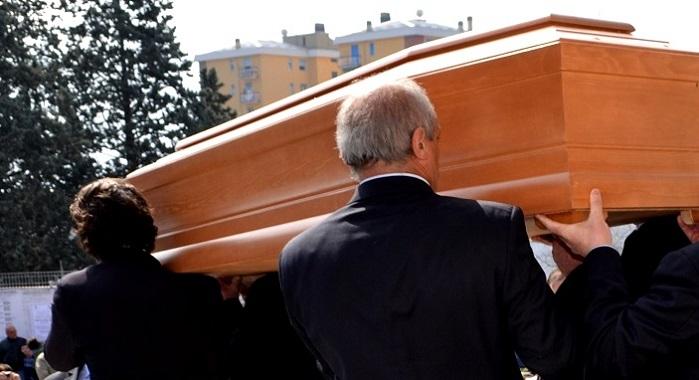 Agenzia funebre evade 3.5 milioni euro