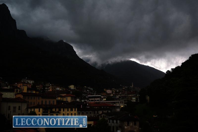 Allerta meteo della Regione Lombardia. Previsti forti temporali in Pianura padana