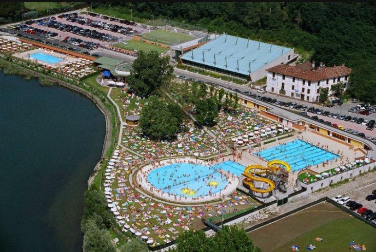 Bisticcio stendhal groupon perch le piscine piacciono for Perche nettoyage piscine