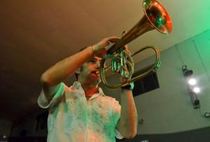Paolo Fresu durante la sua esibizione dello scorso anno a Mandello.