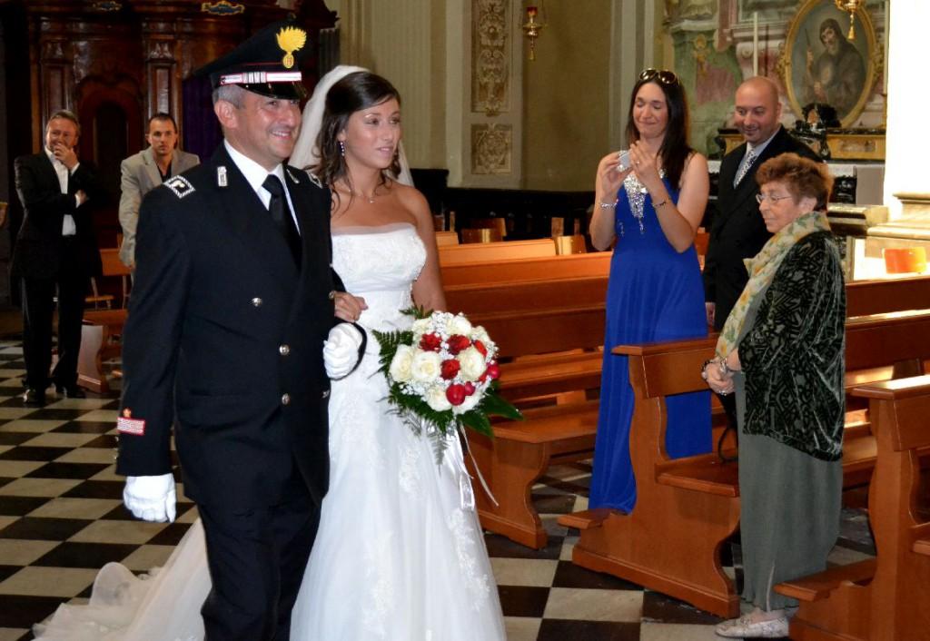 Matrimonio In Alta Uniforme Esercito : Matrimonio… in divisa a mandello sposa la figlia del