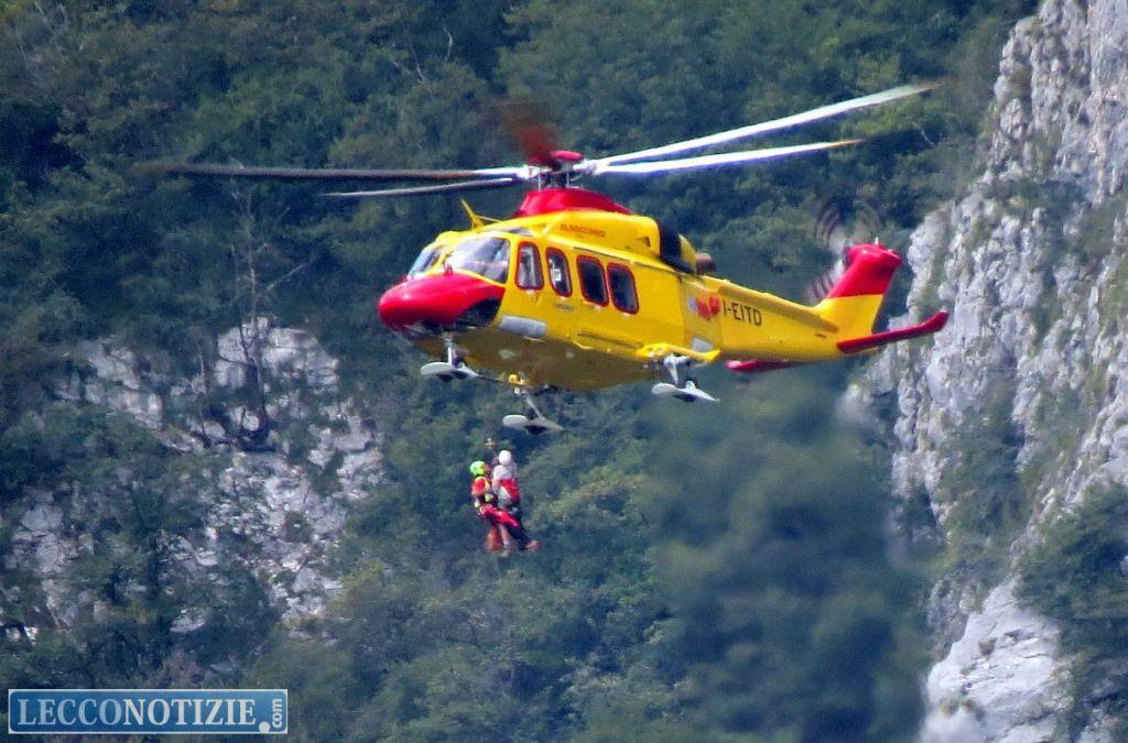 Elicottero Lecco : Incidente in grignetta alpinista soccorso elicottero
