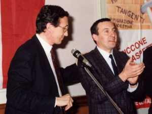 Marco Zacchera (a destra) in una foto del 1992 che lo ritrae con Gianfranco Fini.