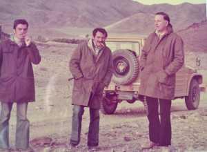Da sinistra i geometri Paolo Alippi, Francesco Menozzi e Giovanni Mutti in una foto degli anni Settanta.
