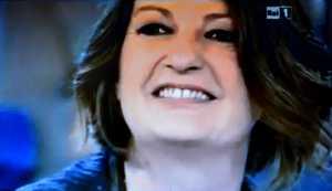 Un'altra immagine di Alis Agostini durante la trasmissione di Rai Uno dell'ottobre 2011.