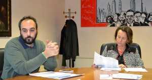 """Il coordinatore del """"Punto giovani"""" con Mara Kessler, della Camera di Commercio di Lecco."""