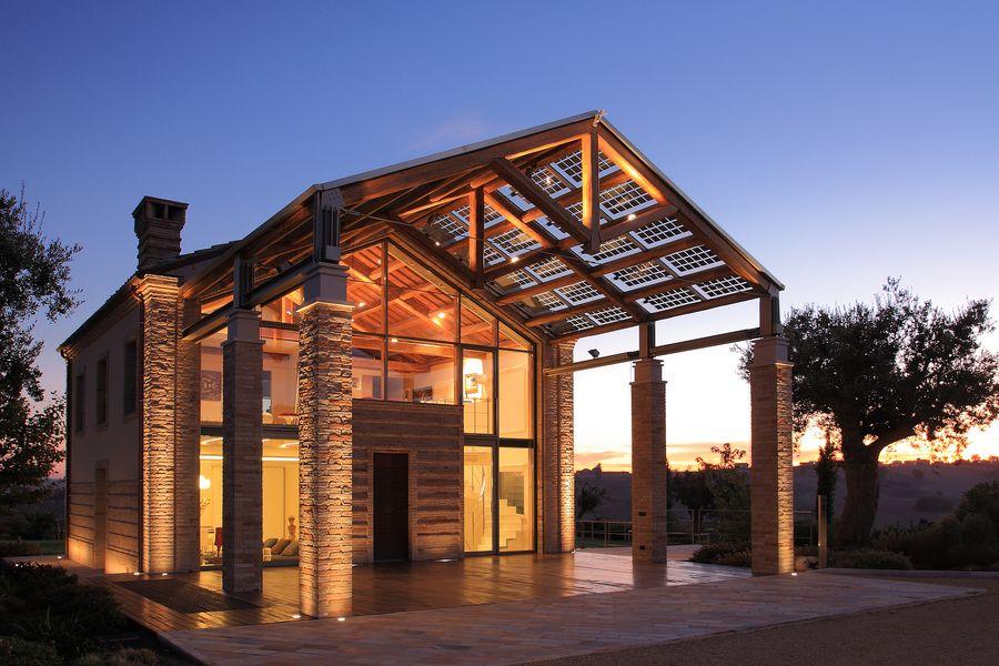 esempio di edificio ristrutturato con nuove soluzioni sostenibili e rispettose delle preesistenza fonte: www.ingecosrl.it