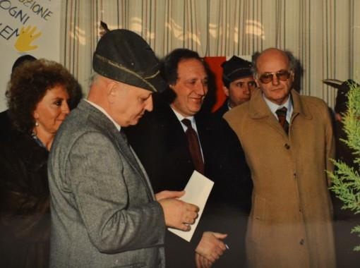 Un'altra foto d'archivio: accanto al presidente Luigi Conato vi è il maestro Dino Siani.