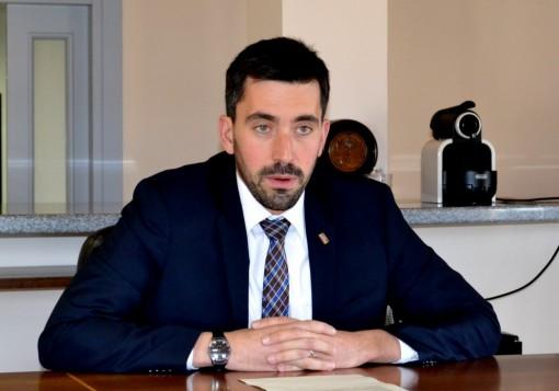 Riccardo Fasoli, sindaco di Mandello, interviene sul previsto insediamento commerciale nell'area Cortesi.