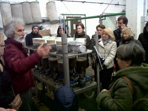 Un momento della visita all'incubatoio di Fiumelatte.