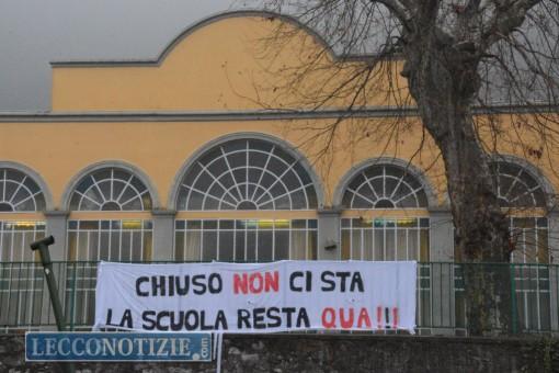 La scuola elementare di Chiuso dove la protesta dei genitori è già iniziata