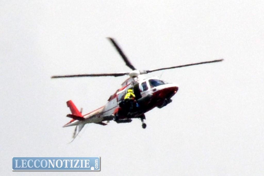 Elicottero Lecco : Ritrovato senza vita il cacciatore disperso ai piani d