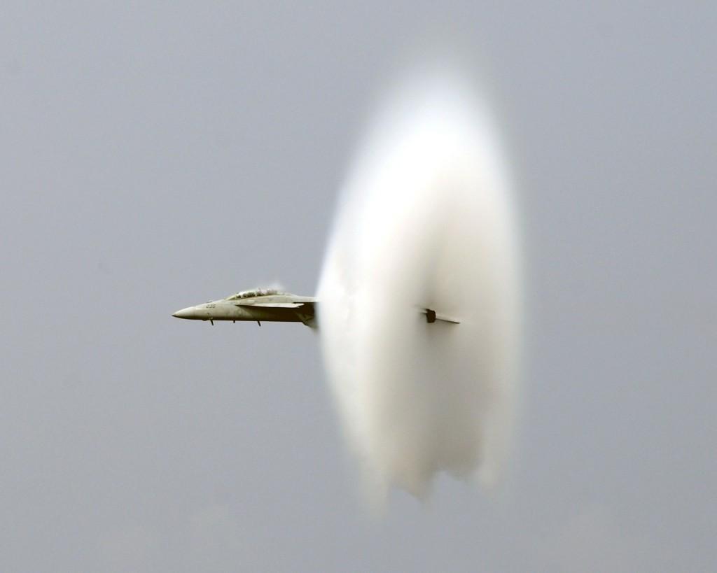 Aereo Da Caccia Oggi : Aerei da combattimento abebooks