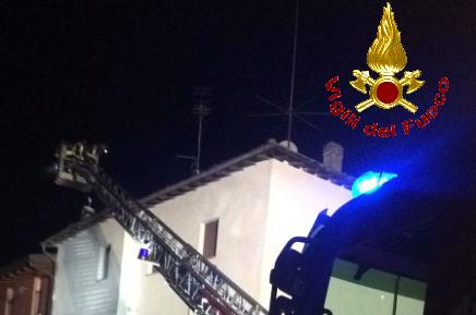 Ciglianese muore sull'auto in fiamme a Caluso