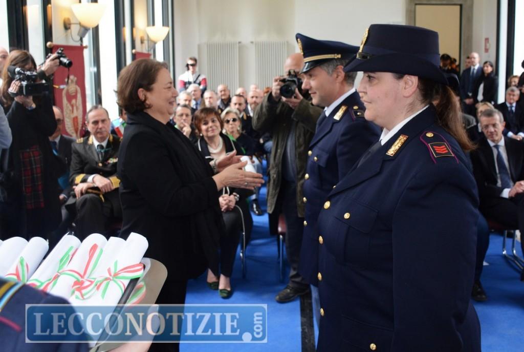 Encomi e lodi: ecco gli agenti premiati dalla Questura di Lecco ...