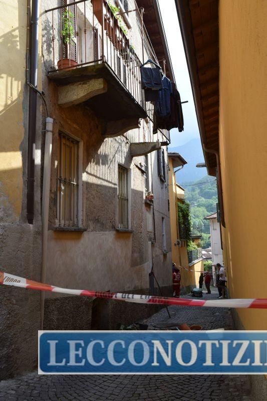 Laorca: dopo il crollo del terrazzo, il Comune ordina la messa in ...