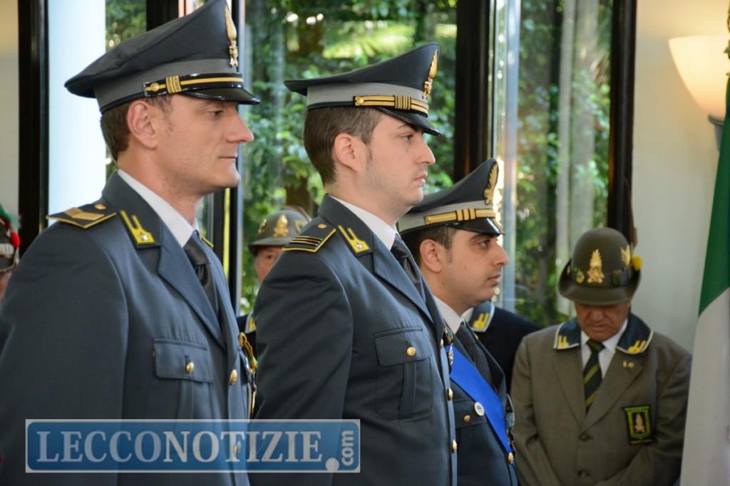 6d17e710c3 ... Nicola San Felice hanno ricevuto il riconoscimento, consegnato loro dal  prefetto Liliana Baccari, per l'indagine che ha portato alla denuncia di ...
